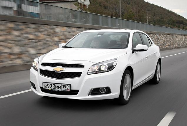 Знакомимся с четырехцилиндровым флагманом Chevrolet – седаном Malibu. Фото 6