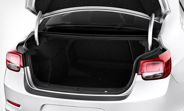 Знакомимся с четырехцилиндровым флагманом Chevrolet – седаном Malibu. Фото 9