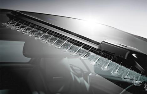 Лучшей машиной 2012 года признали электрокар Tesla Model S. Фото 2