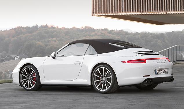 Тест-драйв полноприводной модификации Porsche 911. Фото 4