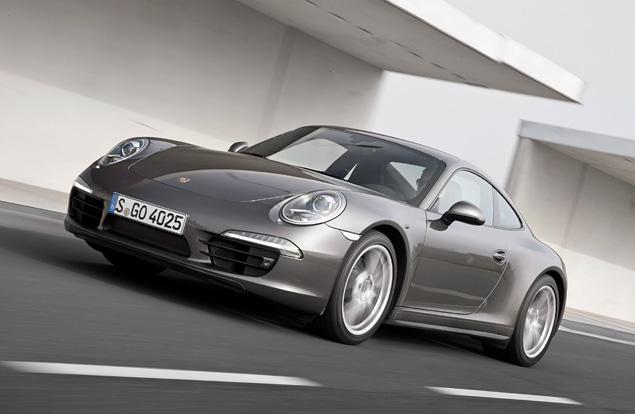 Тест-драйв полноприводной модификации Porsche 911. Фото 6