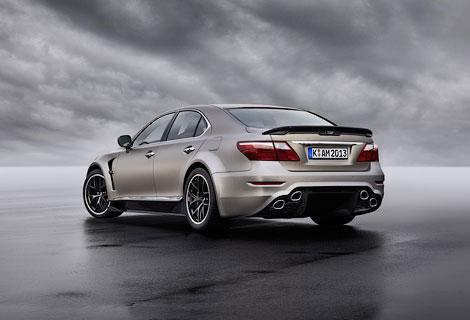 """Lexus LS с 650-сильным мотором разгоняется до """"сотни"""" за 3,9 секунды"""