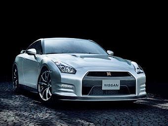 Nissan подпишет каждый двигатель обновленного GT-R