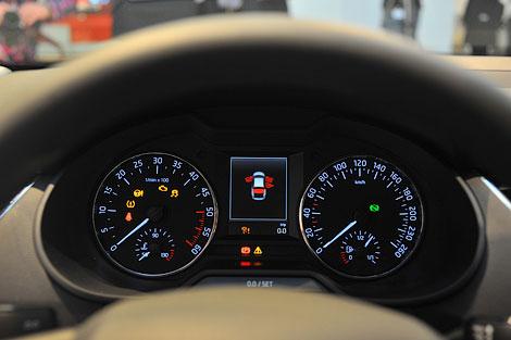 В России Skoda Octavia нового поколения появится в середине 2013 года. Фото 4