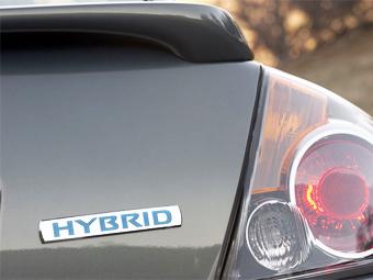 Nissan за четыре года выпустит 15 гибридов