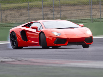 """Lamborghini отзовет в США полторы сотни """"Авентадоров"""""""