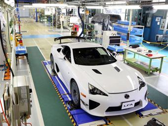 Lexus прекратил выпуск суперкара LFA