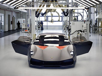 Топ-менеджер Lamborghini рассказал о новом суперкаре