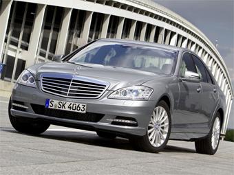 Mercedes-Benz S-Class научится предупреждать о выезде на встречку