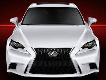 В Сеть попали первые изображения нового Lexus IS