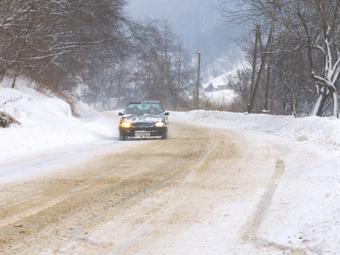 Отсутствие на машине зимних шин оценили в пять тысяч рублей