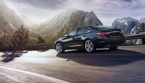 Седан Q50 компания разработала в партнерстве с концерном Daimler. Фото 6