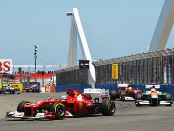 Бывшую трассу Формулы-1 оккупировали бомжи