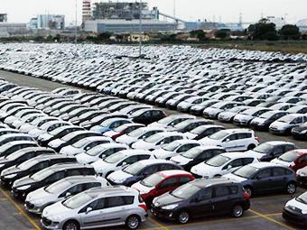 В 2012 году новые машины обошлись россиянам в 2,3 триллиона рублей
