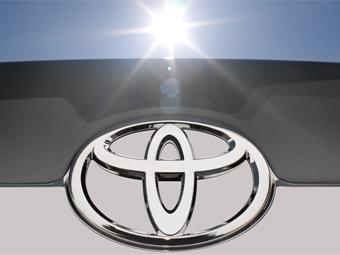 """В 2012 году Toyota заработала в России больше """"АвтоВАЗа"""""""
