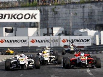 В британской Формуле-3 осталось четыре этапа вместо десяти
