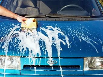 Депутаты отложили увеличение штрафов за мойку машин во дворе