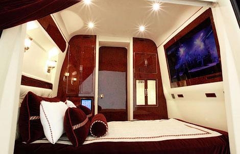 Mercedes-Benz Sprinter со втроенной кроватью оценили в 292 тысячи долларов. Фото 1