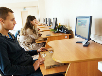 ГИБДД отложила изменение формата сдачи экзаменов на права