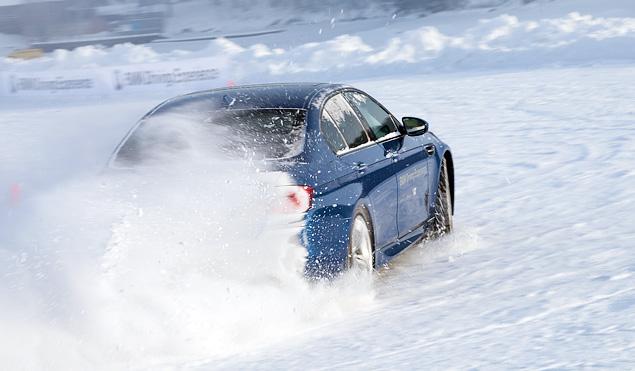 Чему учат в зимней школе бесконечных скольжений BMW Driving Experience. Фото 6