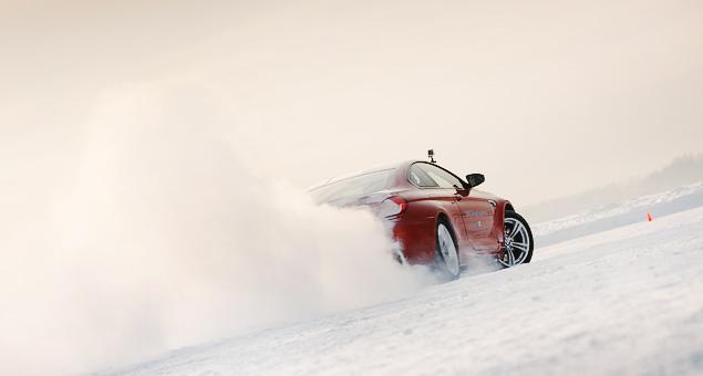 Чему учат в зимней школе бесконечных скольжений BMW Driving Experience. Фото 20