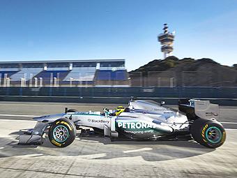 Команда Mercedes AMG показала болид до официальной презентации