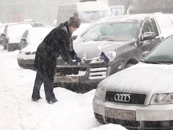 Москва доработала проект ужесточения штрафов за парковку во дворах