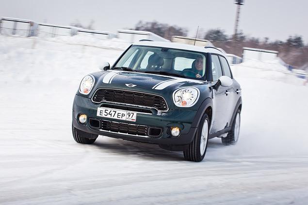 Выбираем самую веселую машину для безбашенной зимней езды. Фото 7