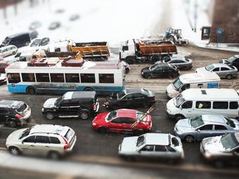 За восемь лет число машин в России увеличилось в полтора раза