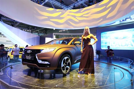 Премьер намерен привлекать к разработке автомобилей профессионалов