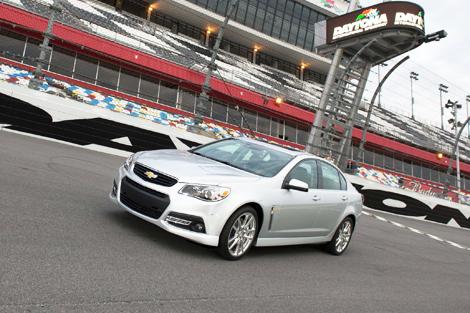 """Седан Chevrolet SS оснастили 6,2-литровой бензиновой """"восьмеркой"""". Фото 1"""