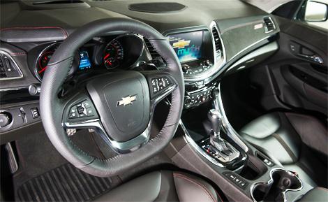 """Седан Chevrolet SS оснастили 6,2-литровой бензиновой """"восьмеркой"""". Фото 4"""