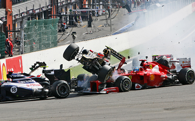 Как изменились шлемы пилотов Формулы-1 за последние 20 лет. Фото 12