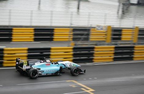 Даниэль Хункаделла совместит работу в Формуле-1 с выступлениями в кузовной серии DTM