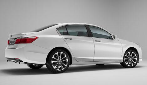 Honda Accord будет предлагаться с двумя двигателями