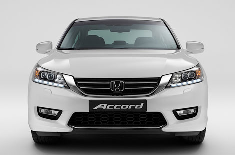 Honda Accord будет предлагаться с двумя двигателями. Фото 1