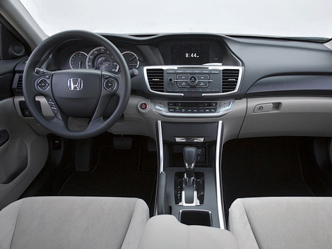 Honda Accord будет предлагаться с двумя двигателями. Фото 2