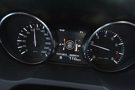 Одной из первых моделей с новой КПП станет Range Rover Evoque. Фото 2