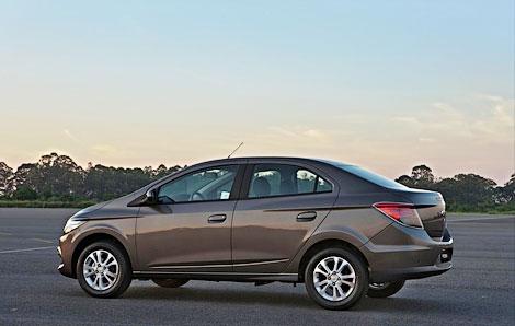 В Бразилии дебютировала компактная модель Chevrolet Prisma. Фото 2