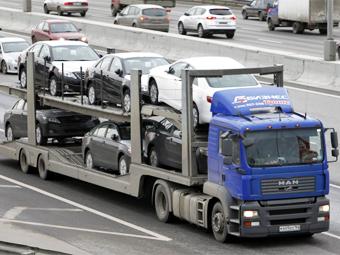 Транзитным грузовикам запретили ездить днем по МКАДу