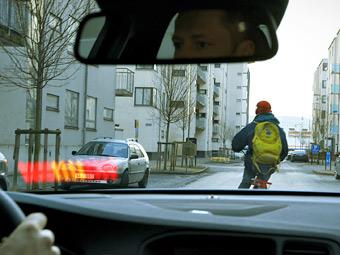 Автомобили Volvo научатся тормозить перед велосипедистами