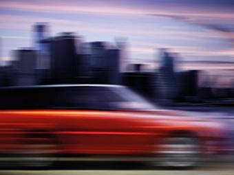 Land Rover показал первое изображение самого быстрого Range Rover