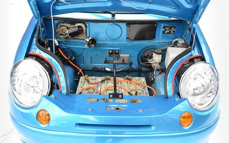 """Фирма """"Дамер"""" сделала электромобиль в два раза быстрее и дальнобойнее. Фото 1"""