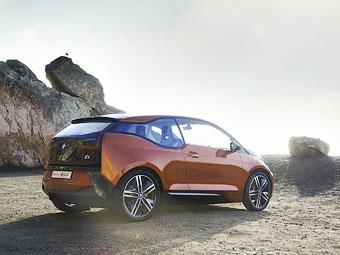 Владельцам электрокаров BMW дадут машину для дальних поездок