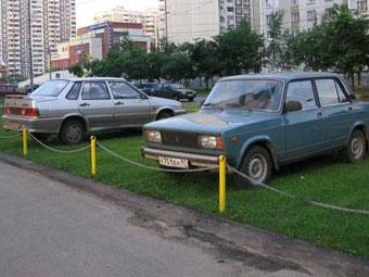 В Подмосковье предложили утилизировать неправильно припаркованные машины