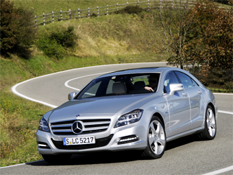 В России Mercedes-Benz CLS опередил рынок люксовых машин в 900 раз