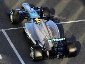 В новом болиде Mercedes AMG обнаружили активную подвеску