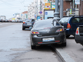 Госдума передаст право штрафовать за парковку мэру Москвы