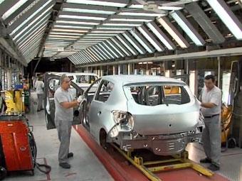 Рабочие румынской Dacia начали забастовку