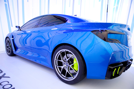 Модель получила новый вариант классического синего цвета кузова